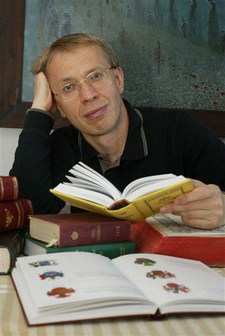 Tomasz Lenczewski w pracowni.